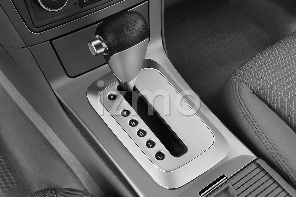 Gear shift detail view of a 2008 saturn acura