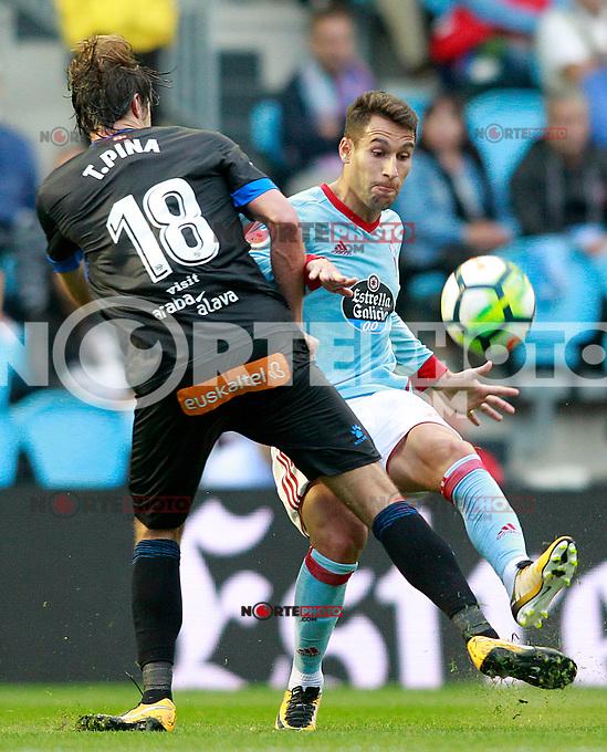 RC Celta de Vigo's Hugo Mallo (r) and Deportivo Alaves' Tomas Pina during La Liga match. September 10,2017. (ALTERPHOTOS/Acero) /NortePhoto.com