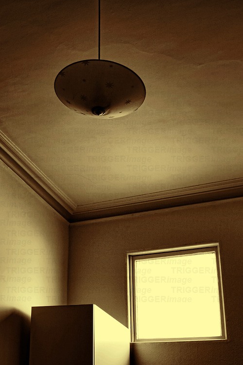 Ceiling light in Room with light from window