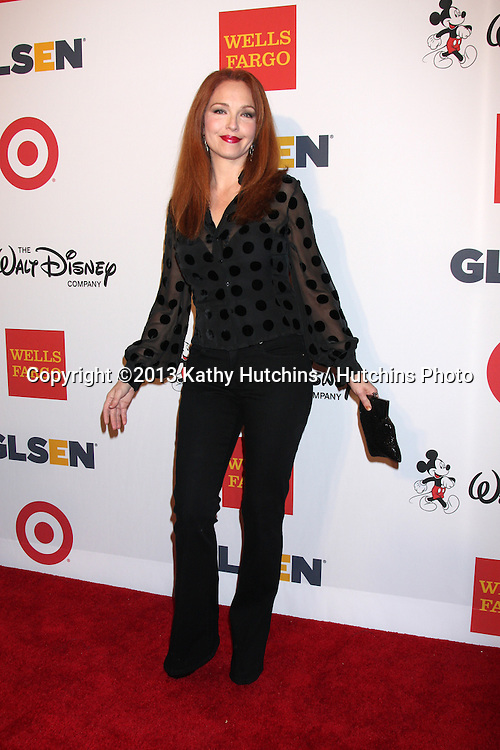 LOS ANGELES - OCT 18:  Amy Yasbeck at the 2013 GLSEN Awards at Beverly Hills Hotel on October 18, 2013 in Beverly Hills, CA