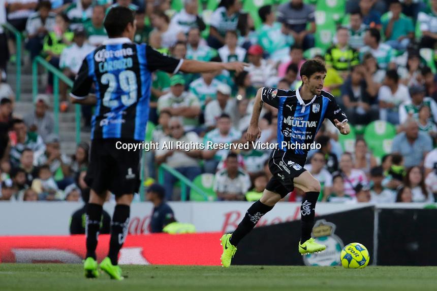 Torreón, Coahuila, 02 abril 2017.- El equipo de los Gallos de Querétaro perdió por un gol en su visita al estadio TSM de Santos Laguna en un partido correspondiente a la jornada 12 del Torneo Clausura 2017 de la Liga Bancomer Mx.