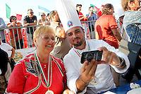 Lidia Bastianich giudice al 14° Campionato mondiale dei Pizzaiuoli e festival della pizza sul lungomare di Napoli