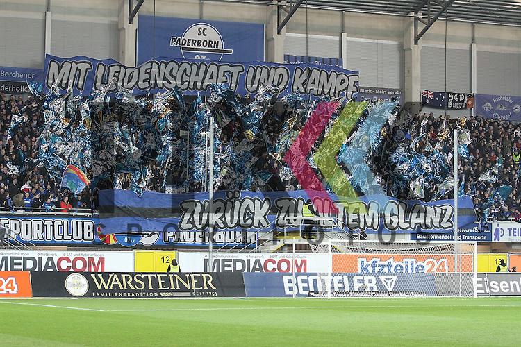 Die Fans des SC Paderborn   beim Spiel in der 2. Bundesliga SC Paderborn - 1. FC Kaiserslautern.<br /> <br /> Foto &copy; PIX-Sportfotos *** Foto ist honorarpflichtig! *** Auf Anfrage in hoeherer Qualitaet/Aufloesung. Belegexemplar erbeten. Veroeffentlichung ausschliesslich fuer journalistisch-publizistische Zwecke. For editorial use only.