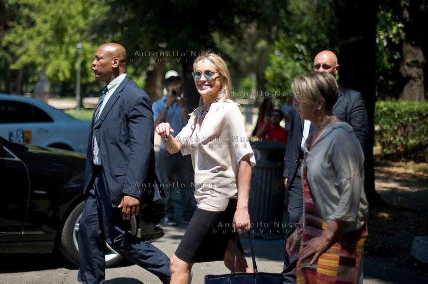 Roma, 22 Luglio, 2013. Sharon Stone sul set del nuovo film di Pupi Avati, Un ragazzo d'oro.