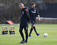 Trainer Adi Hütter (Eintracht Frankfurt) und David Abraham (Eintracht Frankfurt) - 20.02.2019: Eintracht Frankfurt Training, UEFA Europa League, Commerzbank Arena, DISCLAIMER: DFL regulations prohibit any use of photographs as image sequences and/or quasi-video.