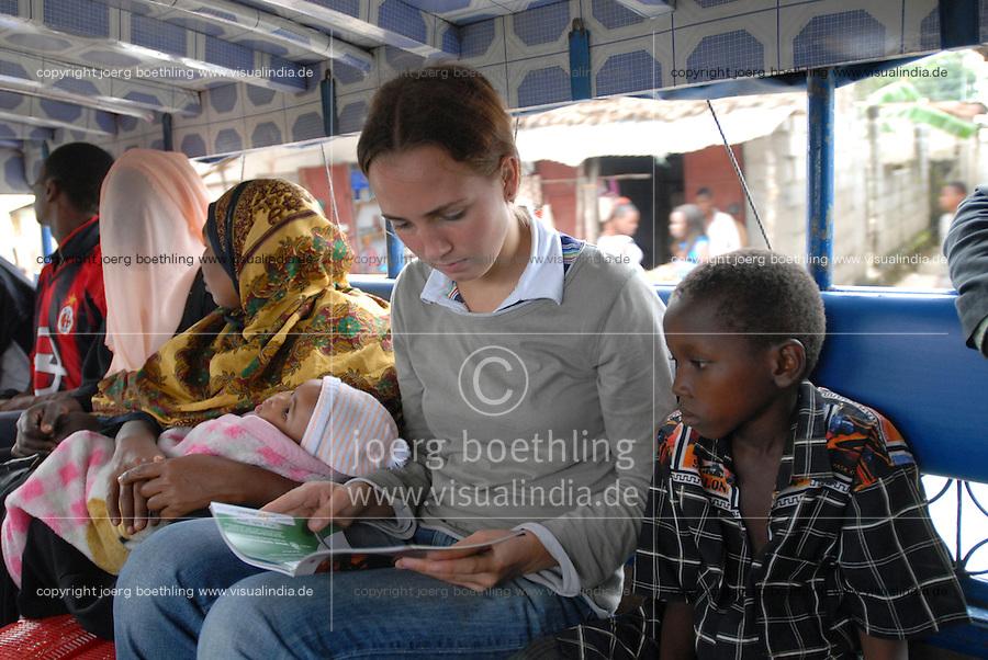 TANZANIA, german young people do a voluntary service for one year abroad / TANSANIA, deutsche Jugendliche absolvieren nach dem Abitur ein freiwilliges oekologisches Jahr in Afrika, ein Projekt des weltwaerts Freiwilligendienst des BMZ