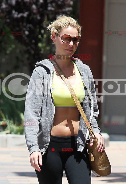 Katherine Heigl showed off her toned belly while out and about in Los Angeles, California on 11.05.2012..Credit: Correa/face to face.. /MediaPunch Inc. ***FOR USA ONLY***