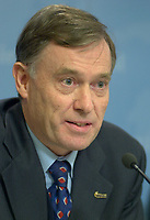 OTTAWA , November 17th 2001 FILE PHOTO<br /> <br /> Horst Kohler ;  Managing Director of the International Monetary Fund (IMF) answer a question  during  the closing press conference of the IMF meeting taking place on the G-20 Summit 2nd day, November 17th, 2001 in Ottawa, CANADA<br /> <br /> (Photo by Pierre Roussel /I Photo)<br /> ON SPEC<br /> NOTE l Nikon D-1 jpeg opened with quimage icc profile, saved in Adobe 1998 RGB.