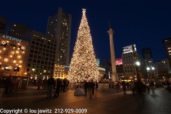 san francisco, California, union square , union,Sq., xmas,x-mas,Christmas, night ,blue,sky, horizontal,photo,lights,wide angle,