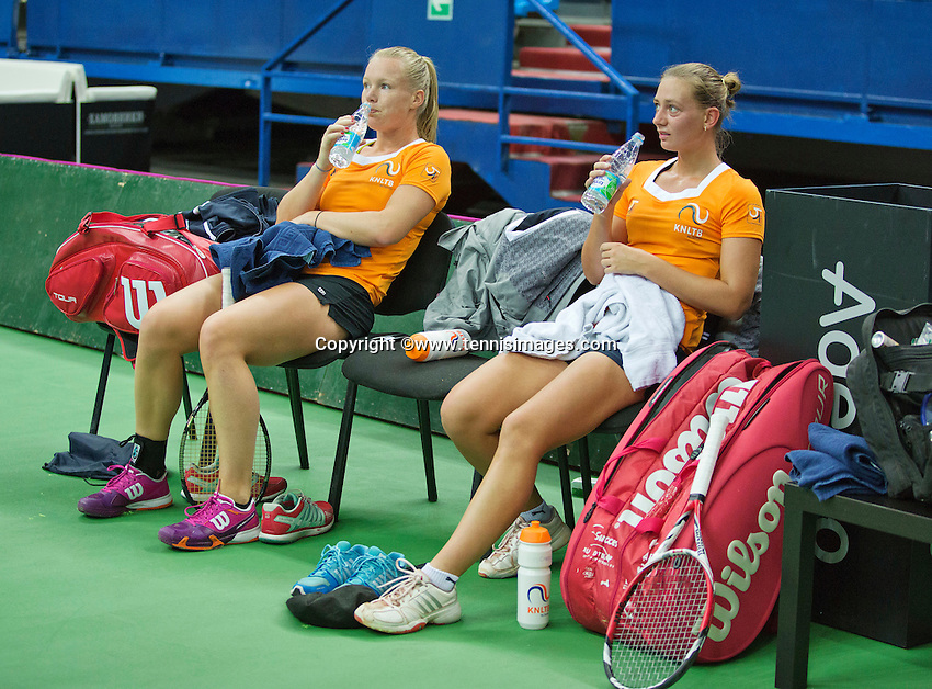 Moskou, Russia, Februari 3, 2016, Fed Cup Russia-Netherlands,  Practise Dutch team,  Cindy Burger and Kiki Bertens (L)<br /> Photo: Tennisimages/Henk Koster