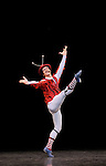 THE CONCERT..OU LES MALHEURS DE CHACUN....Choregraphie : ROBBINS Jerome..Mise en scene : ROBBINS Jerome..Compositeur : CHOPIN Frederic..Compagnie : Ballet de l Opera National de Paris..Lumiere : TIPTON Jennifer..Costumes : SHARAFF Irene..Avec :..PELOVSKA Vessela : La pianiste..MEYZINDI Julien : Un homme avec echarpe..LEVY Laurene..DELFINO Clara..BANCE Caroline : une fille en colere avec lunettes..MARTEL Beatrice : la femme..CARBONE Alessio : le mari..VALASTRO Simon : l etudiant timide..MONIN Eric : le controleur..BERTAUD Sebastien : un homme..COLASANTE Valentine..LAMOUREUX Amelie..ROBERT Caroline..VAUTHIER Gwenaelle..VAREILHES Lydie..BOTTO Matthieu..CORDIER Vincent..COUVEZ Adrien..IBOT Axel..STOKES Daniel..COZETTE Julien..LE ROUX Erwan..Lieu : Opera Garnier..Ville : Paris..Le : 20 04 2010..© Laurent PAILLIER / photosdedanse.com..All rights reserved