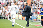 Real Madrid's coach Rafa Benitez with his player Jese Rodriguez during La Liga match. September 26,2015. (ALTERPHOTOS/Acero)