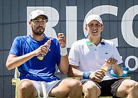 Den Bosch, Netherlands, 13 June, 2017, Tennis, Ricoh Open, Men's doubles: Tallon Griekspoor (NED) / David Pel (NED) (L)<br /> Photo: Henk Koster/tennisimages.com