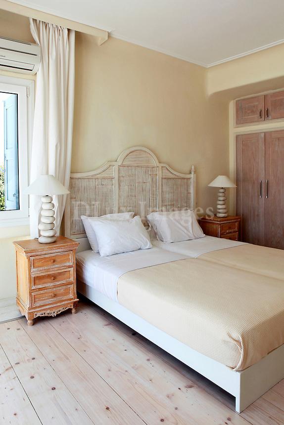 cycladic vintage bed