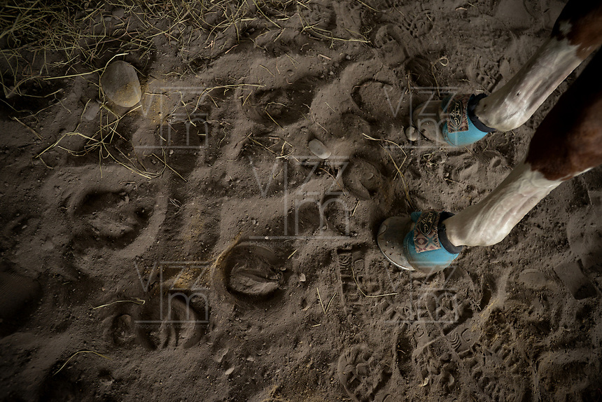 VILLAVICENCIO - COLOMBIA. 13-10-2018: Huellas de caballo son vistas durante el 22 encuentro Mundial de Coleo en Villavicencio, Colombia realizado entre el 11 y el 15 de octubre de 2018. / Horse footprints are senn during the 22 version of the World  Meeting of Coleo that takes place in Villavicencio, Colombia between 11 to 15 of October, 2018. Photo: VizzorImage / Gabriel Aponte / Staff