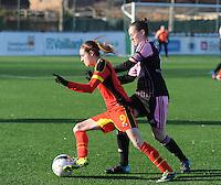 Belgian Red Flames - Arras (FR):<br /> <br /> Tessa Wullaert ((L) gaat voorbij Laurie Dacquigny (R)<br /> <br /> foto Dirk Vuylsteke / Nikonpro.be