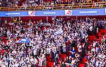 Stockholm 2014-09-17 Ishockey SHL Djurg&aring;rdens IF - Leksands IF :  <br /> Leksands supportrar p&aring; l&auml;ktare i Goben under matchen mellan Djurg&aring;rden och Leksand<br /> (Foto: Kenta J&ouml;nsson) Nyckelord:  Djurg&aring;rden DIF Hockey Globen Ericsson Globe Arena SHL Leksand LIF supporter fans publik supporters