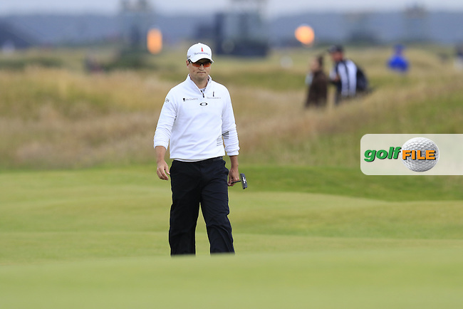 Zach JOHNSON (USA) walks to the 17th green during Monday's Final Round of the 144th Open Championship, St Andrews Old Course, St Andrews, Fife, Scotland. 20/07/2015.<br /> Picture Eoin Clarke, www.golffile.ie