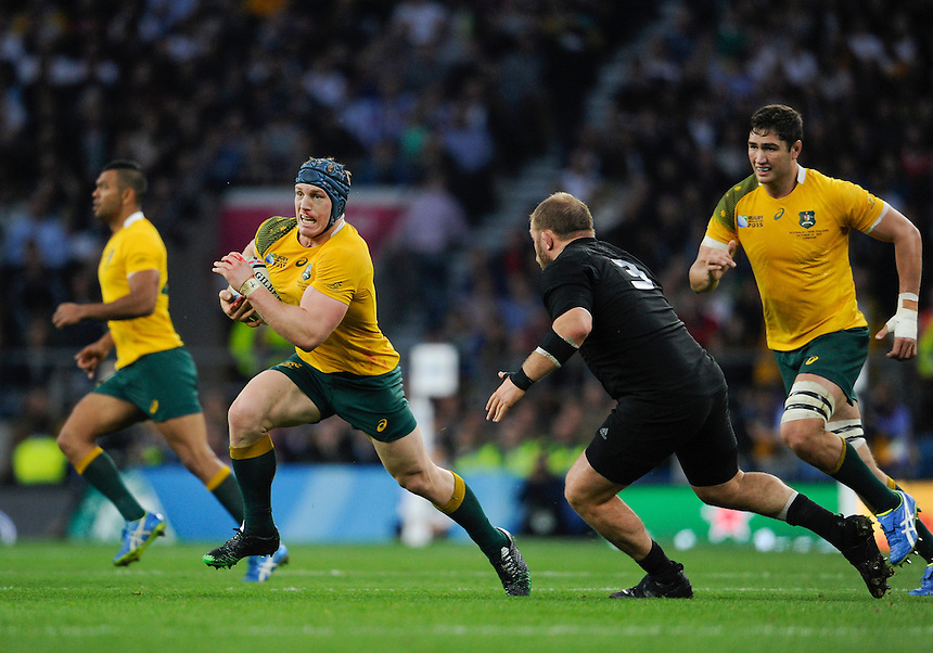 Australia's David Pocock in action during todays match<br /> <br /> Photographer Ashley Western/CameraSport<br /> <br /> Rugby Union - 2015 Rugby World Cup Final - New Zealand v Australia - Saturday 31st October 2015 - Twickenham - London<br /> <br /> &copy; CameraSport - 43 Linden Ave. Countesthorpe. Leicester. England. LE8 5PG - Tel: +44 (0) 116 277 4147 - admin@camerasport.com - www.camerasport.com