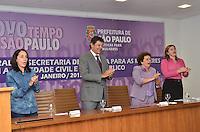 SAO PAULO, SP, 14 DE JANEIRO DE 2013.- HADDAD POLITICA PARA MULHERES - Da esquerda para a direita, a vice prefeita Nadia Campeao, o  prefeito Fernando Haddad, a  ministra Eleonora Menicucci, da Secretaria de Políticas para Mulheres e a secretaria  municipal de Politicas para Mulheres, Denise Motta, durante Diálogo Inaugural da Secretaria Especial de Políticas para as Mulheres, na prefeitura de Sao Paulo, da tarde desta segunda feira, 14.  (FOTO: ALEXANDRE MOREIRA / BRAZIL PHOTO PRESS).