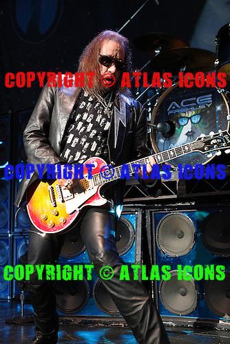 Ace Frehley, live, 2011, Ken Settle, Ken Settle/atlasicons.com