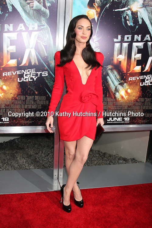 "Megan Fox.arrives at the ""Jonah Hex"" World Premiere.ArcLight Cinerama Dome.Los Angeles, CA.June 17, 2010.©2010 Kathy Hutchins / Hutchins Photo.."