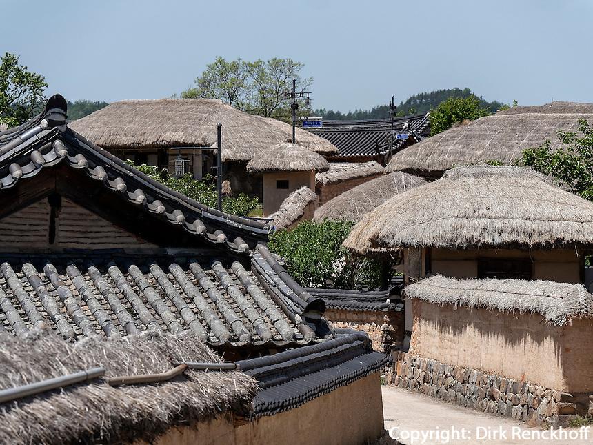 Hahoe Volkskundedorf bei Andong, Provinz Gyeongsangbuk-do, S&uuml;dkorea, Asien, UNESCO-Weltkulturerbe<br /> Hahoe Folk Village near Andong,  province Gyeongsangbuk-do, South Korea, Asia, UNESCO world-heritage