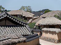 Hahoe Volkskundedorf bei Andong, Provinz Gyeongsangbuk-do, S&uuml;dkorea, Asien, UNESCO-Weltkulturerbe<br /> Hahoe Folk Village near Andong,  province Gyeongsangbuk-do, South Korea, Asia, UNESCO world-heritage