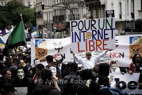 Manifestation des Anonymous et sympathisants contre le traite ACTA, le 09 juin 2012 a Paris.