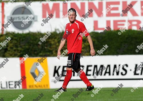 2012-09-16 / Voetbal / seizoen 2012-2013 / Lyra / Sam Wouters..Foto: Mpics.be
