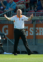 July 28, 2012: Houston Dynamo head coach Dominic Kinnear shouts out to his team during a game between Toronto FC and the Houston Dynamo at BMO Field in Toronto, Ontario Canada..The Houston Dynamo won 2-0.