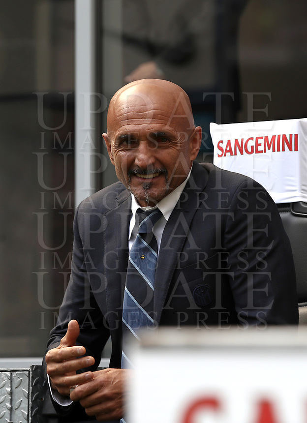 Calcio, Serie A: Inter Milano-Parma, Giuseppe Meazza stadium, September 15, 2018.<br /> Inter's coach Luciano Spalletti waits for the start of the Italian Serie A football match between Inter and Parma at Giuseppe Meazza (San Siro) stadium, September 15, 2018.<br /> UPDATE IMAGES PRESS/Isabella Bonotto