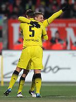 FUSSBALL   1. BUNDESLIGA  SAISON 2011/2012   20. Spieltag 1. FC Nuernberg - Borussia Dortmund         03.02.2012 JUBEL nach dem TOR zum 0:1 Sebastian Kehl (li,) mit Lukasz Piszczek (Borussia Dortmund)