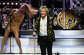 HOLLYWOOD FL - JULY 24: Rod Stewart performs at the Hard Rock Events Center held at the Seminole Hard Rock Hotel & Casino on July 24, 2018 in Hollywood, Florida. : Credit Larry Marano © 2018