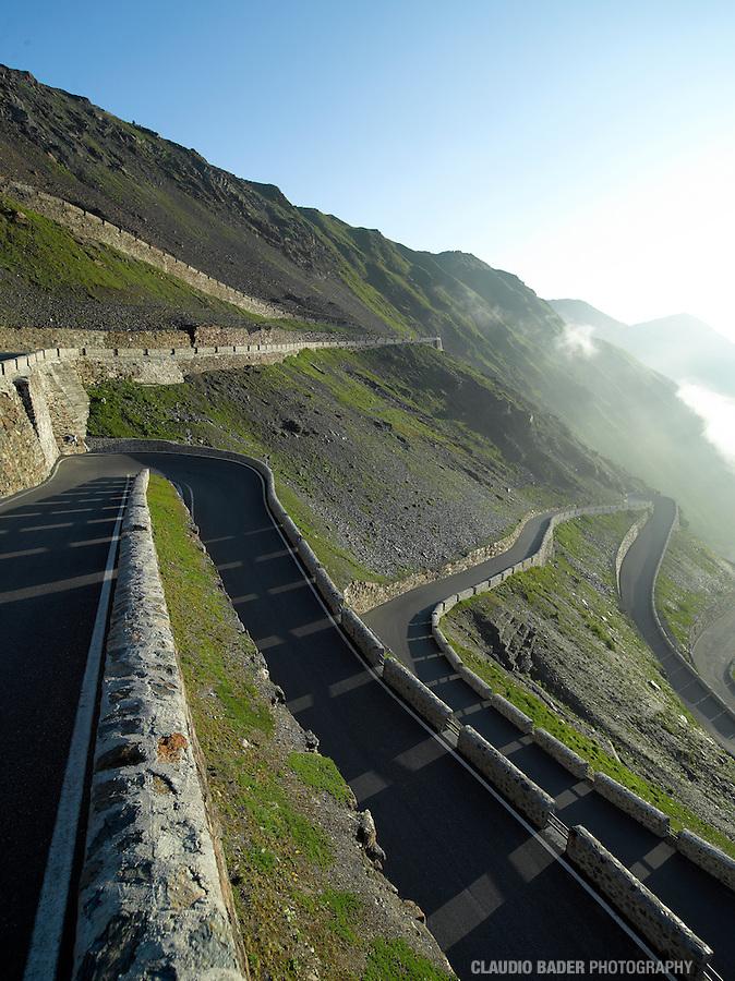 Passes; Italy; Italia; Passo dello Stelvio; The stelvio Pass; Stilfser Joch; Prad; Bormio; Mountain road