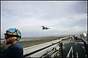 -Mer Méditerranée- Porte Avions Charles de Gaulle- Appontage d'un Super Etendard.