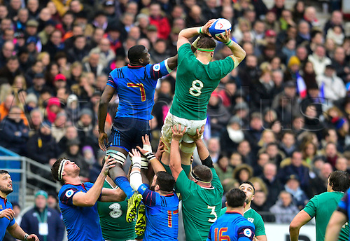 13.02.2016. Stade de France, Paris, France. 6 Nations Rugby international. France versus Ireland.  Jamie Heslip ( Ireland ) wins the lineout from Yacouba Camara ( France )