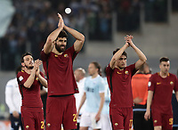 Calcio, Serie A: S.S. Lazio - A.S. Roma, stadio Olimpico, Roma, 15 aprile 2018. <br /> Roma's players greets supporters at the end of the Italian Serie A football match between S.S. Lazio and A.S. Roma at Rome's Olympic stadium, Rome on April 15, 2018. <br /> S.S. Lazio and A.S. Roma drawn 0-0.<br /> UPDATE IMAGES PRESS/Isabella Bonotto