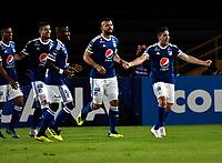 BOGOTÁ - COLOMBIA, 15-08-2018: Los jugadores de Millonarios (COL), celebran el primer gol anotado a General Diaz (PAR), durante partido de vuelta entre Millonarios (COL) y General Díaz (PAR), de la segunda fase por la Copa Conmebol Sudamericana 2018, en el estadio Nemesio Camacho El Campin, de la ciudad de Bogotá. / The players of Millonarios (COL), celebrate the first scored goal to General Diaz (PAR), during a match of the second leg between Millonarios (COL) and General Diaz (PAR), of the second phase for the Conmebol Sudamericana Cup 2018 in the Nemesio Camacho El Campin stadium in Bogota city. VizzorImage / Luis Ramirez / Staff.