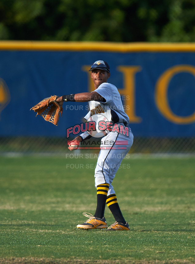 Lakewood Spartans outfielder Julian Jackson (9) during a game against the Boca Ciega Pirates at Boca Ciega High School on March 2, 2016 in St. Petersburg, Florida.  Boca Ciega defeated Lakewood 2-1.  (Mike Janes/Four Seam Images)
