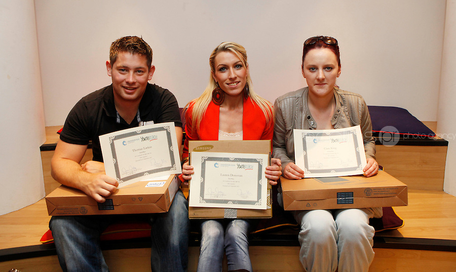 "***NO FEE PIC***.27/09/2011.(L to r) Thomas Larkin from Sherrard St Youthreach centre who recieved 3rd prize for his survey of discrimination in his community,.Lauren Donovan from Sherrard St Youthreach Centre, dublin who won 1st prize for her video montage piece about domestic violence,.Clare King from Kiltimagh who recieved 2nd prize for her piece on Social injustice in the Irish Welfare System .during a "" Your Rights Right  now""/ Youthreach competition prizegiving award ceremony at the Office of the Ombudsman for Children, Dublin. The competition called on young Youthreach students to express themselves about the important human rights issues affecting their lives..Photo: Gareth Chaney Collins"