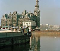 April 1991. Bonapartedok aan Eilandje in Antwerpen.