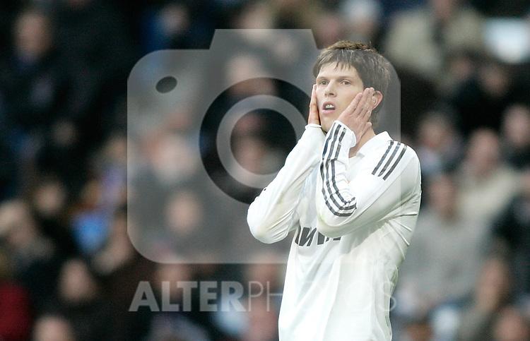 Real Madrid's Jan Klass Huntelaar reacts during La Liga match, January 04, 2009. (ALTERPHOTOS).