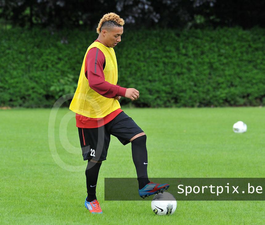 KV Kortrijk : Eerste training met Jimmy Kamghain .foto VDB / BART VANDENBROUCKE