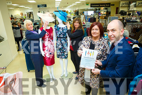 Launching the Shaws Fashion Show Launching for Irish Hospice Foundation at the Rose Hotel on Thursday 9th November at 7.30. Pictured MC Margaret Kissane, Shaws Manager Mike Quinn with Anna Bunyan and Maria Guthrie