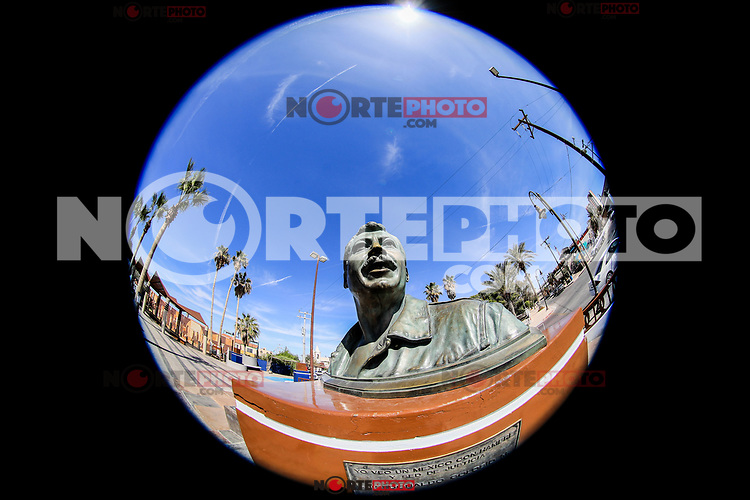 Bust or statue of the Mexican political martyr of the PRI party, Luis Donaldo Colosio in the tourist destination Puerto Peñasco, Sonora, Mexico. (Photo: Luis Gutierrez /NortePhoto.com)<br />
