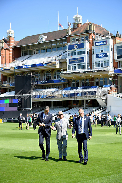 25 May 2017 - Surrey County Cricket Club Chairman Richard Thompson, Prince Charles. Prince Charles launches the ICC Champions Trophy at The Oval London. Photo Credit: ALPR/AdMedia