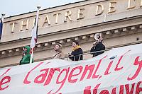 DES INTERMITTENTS DU SPECTACLE OCCUPENT LE THEATRE DE L'ODEON A PARIS DEPUIS DIMANCHE. DES ECHAUFFOUREES ONT EU LIEU EN FIN D'APRES MIDI ENTRE CRS ET MANIFESTANTS VENUS SOUTENIR LES INTERMITTENTS