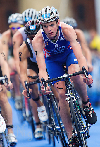 11 SEP 2010 - BUDAPEST, HUN - Jonathan Brownlee takes a corner on his way to victory at the 2010 ITU Mens  Under 23 World Triathlon Championships (PHOTO (C) NIGEL FARROW)