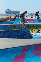 France, Seine-Maritime (76), Le Havre, classé Patrimoine Mondial de l'UNESCO,  Skatepark sur le front de mer // : France, Seine Maritime, Le Havre, listed as World Heritage by UNESCO, Skatepark on the waterfront